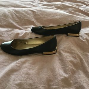 3328d9fdf3a Tahari Black Leather Flat with Gold Heel